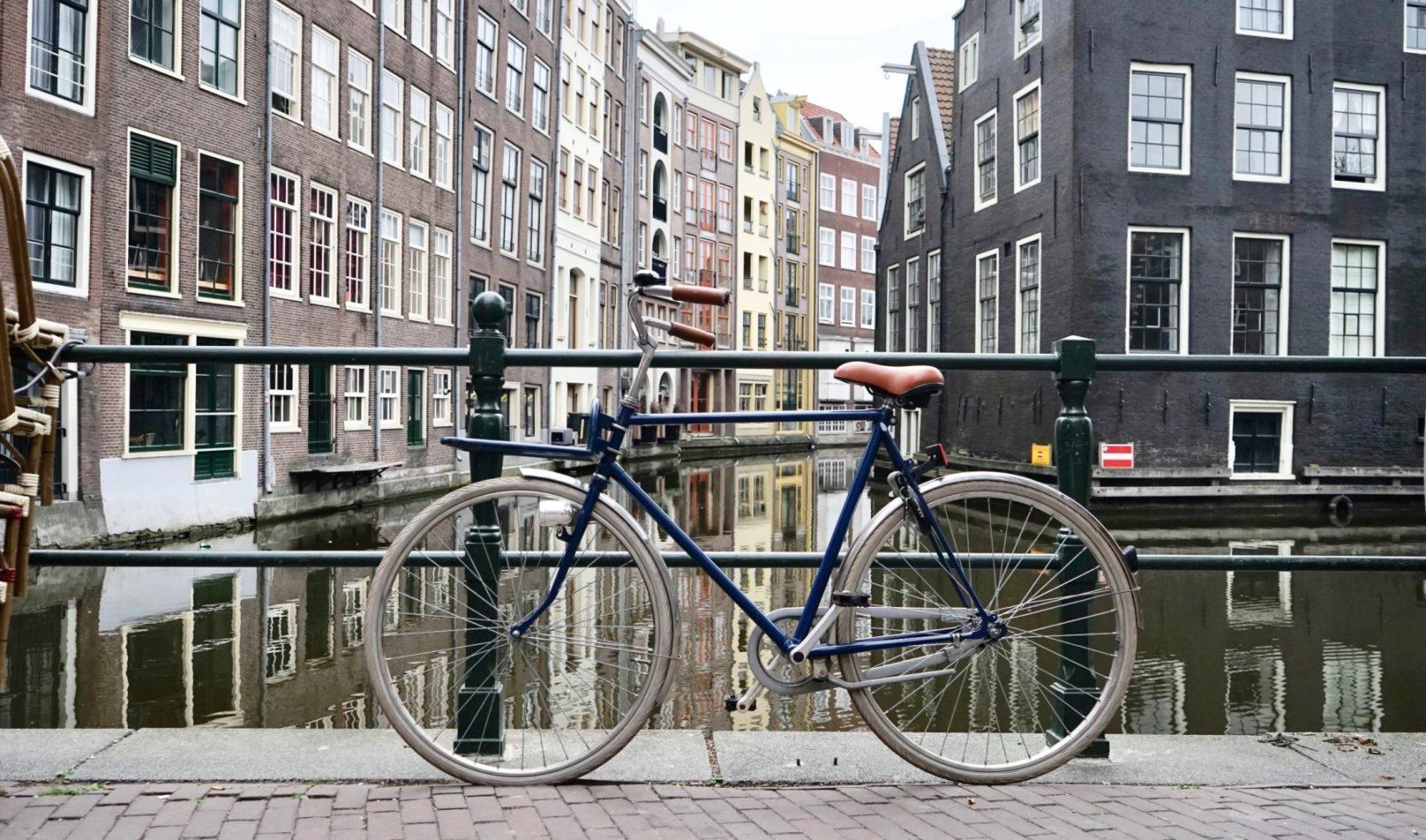 Een fiets van de zaak met het fietsplan van Fiscfree